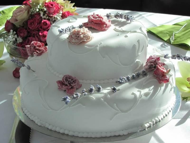 Hochzeitstorte Günstig Online Bestellen  Torten & Kuchen aus Berlin Prenzlauer Berg Torten & Kuchen