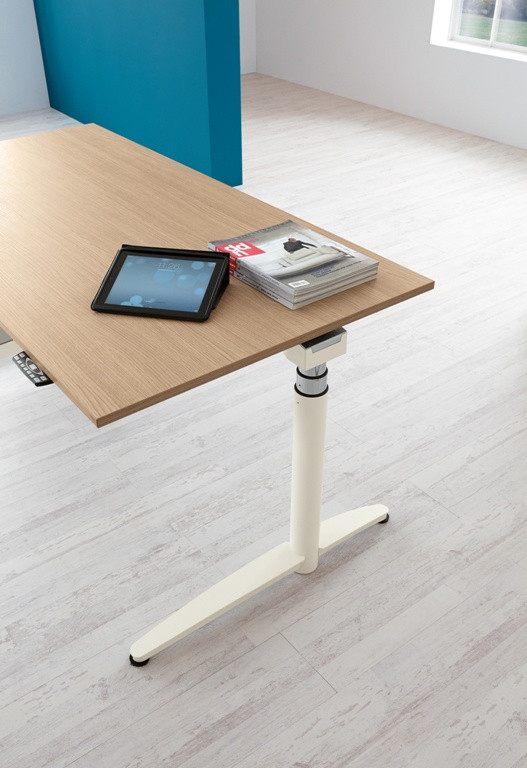 """Höhenverstellbarer Schreibtisch Elektrisch  Elektrisch höhenverstellbarer Schreibtisch """"Caldo"""