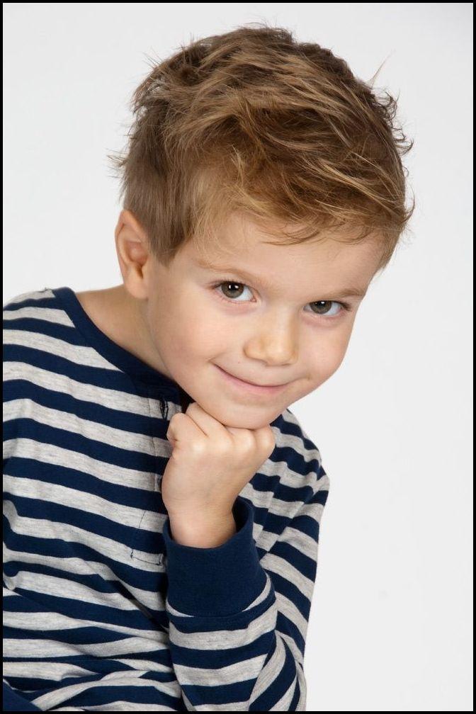 Kinder Haarschnitt Jungs  Die besten 25 Kinderfrisuren jungen Ideen auf Pinterest