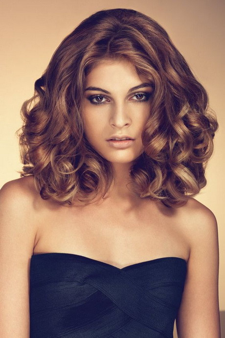 Kurze Locken Frisuren  Kurze locken frisuren 2017