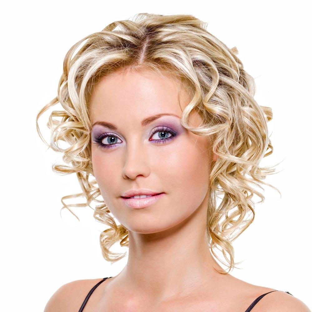 Kurze Locken Frisuren  Mittellange und kurze Haare mit Locken