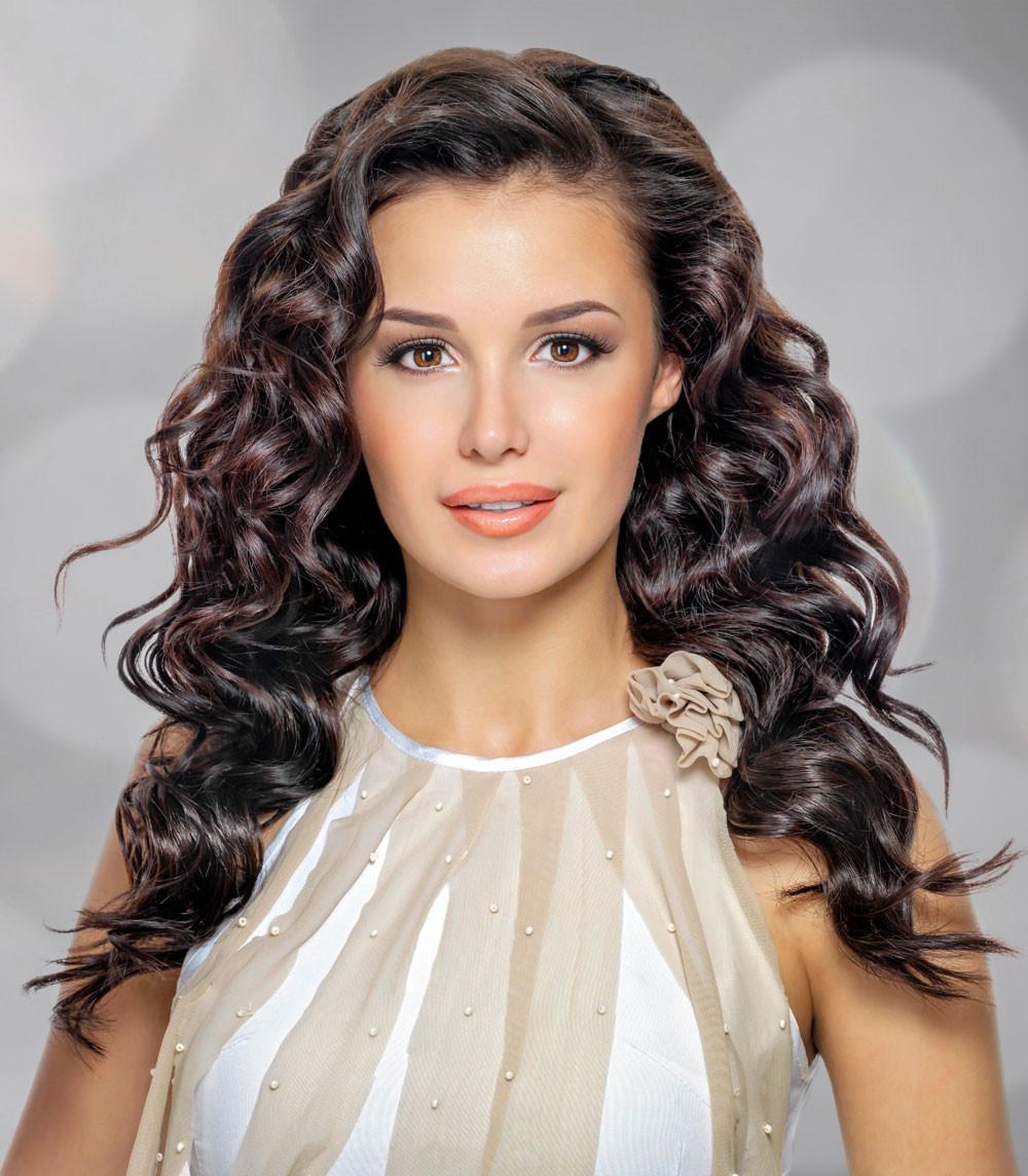 Lange Haare Frisuren  Wellige Abendfrisur für lange Haare offen gestylt