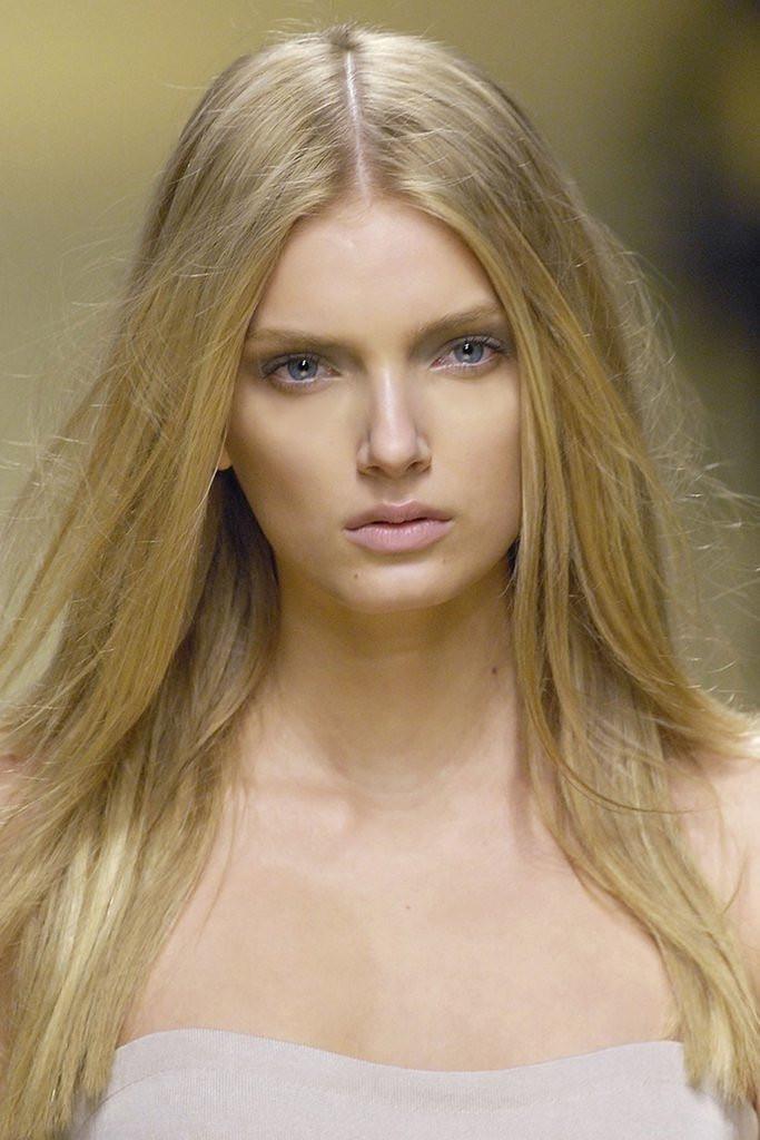 Lange Haare Frisuren  Schneller lange Haare Frisuren VOGUE