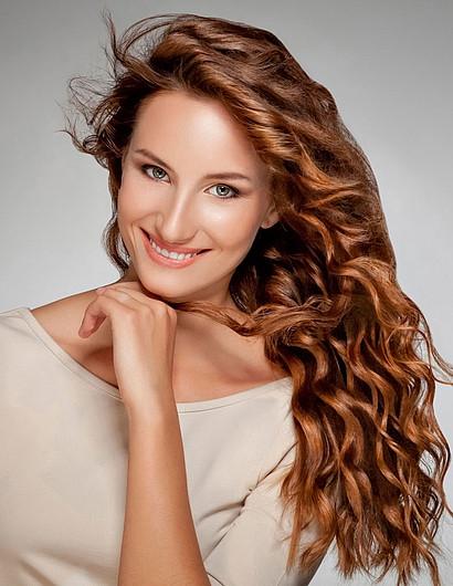 Lockige Haare Frisuren  Lockige frisuren lange haare
