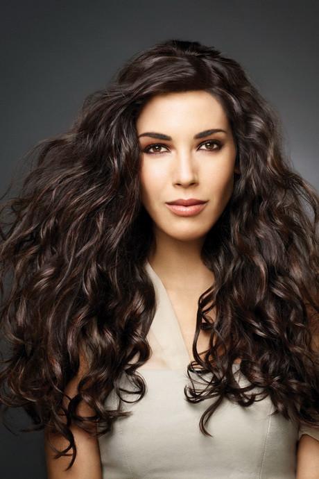 Lockige Haare Frisuren  Frisuren für lange lockige haare