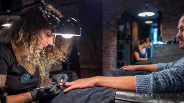 Männer Maniküre München  Hände gut alles gut im Nagelstudio nur für Männer