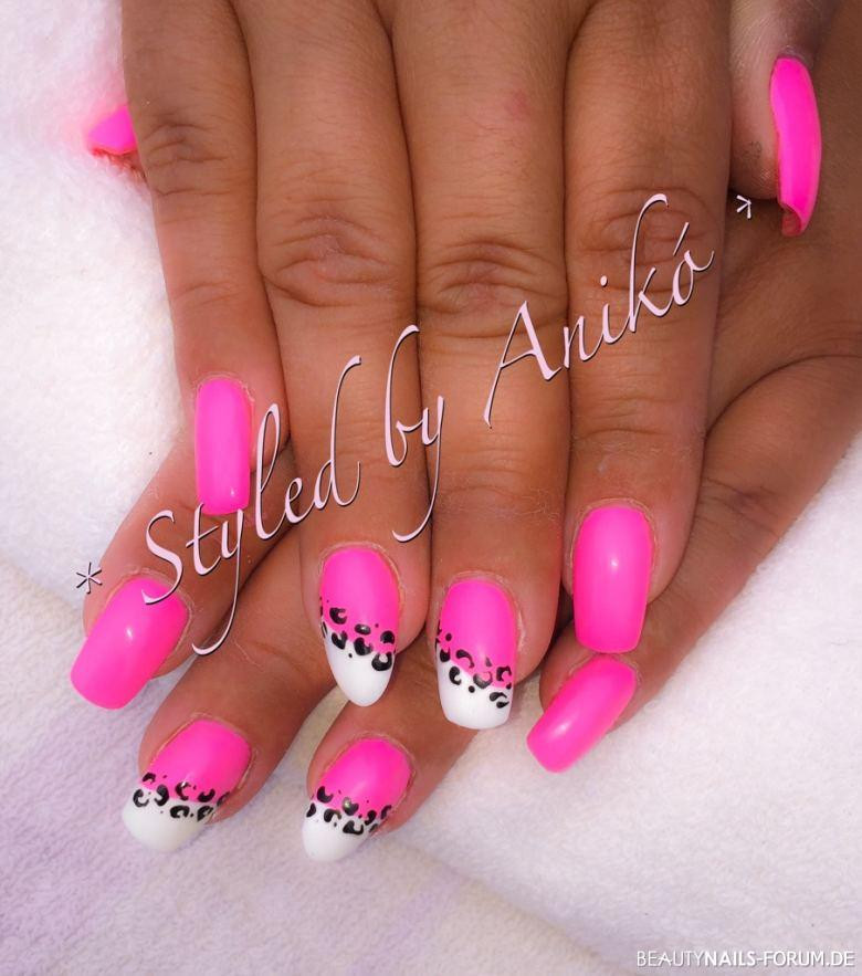 Nageldesign Sommer Neon  Neon Baby Pink & White & Leo Nails Sommer