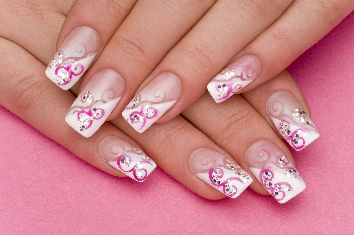 Neue Nageldesign Bilder  NailArt Kunst am Fingernagel Beautylog