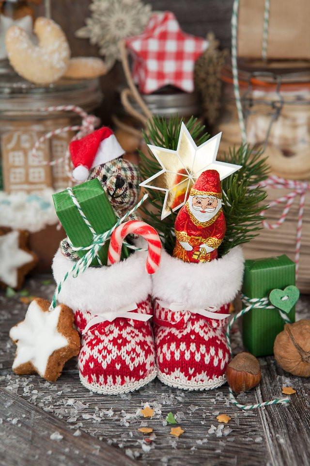 Nikolaus Geschenke  Der Tag Unbekannter klaut Nikolausgeschenke aus Schuhen