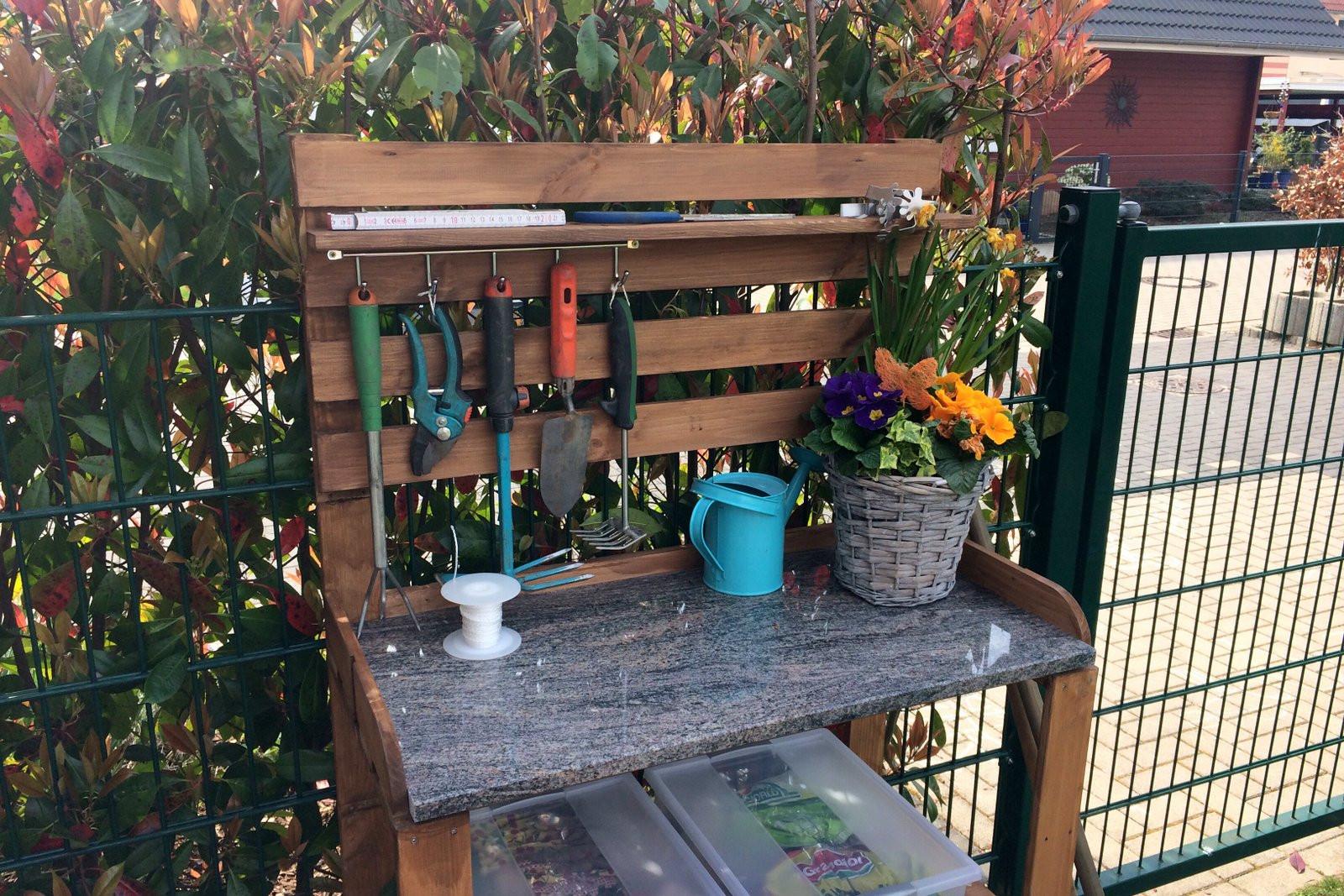 Pflanztisch Diy  Groß Diy Garten DIY Pflanztisch Für Den Selber Bauen