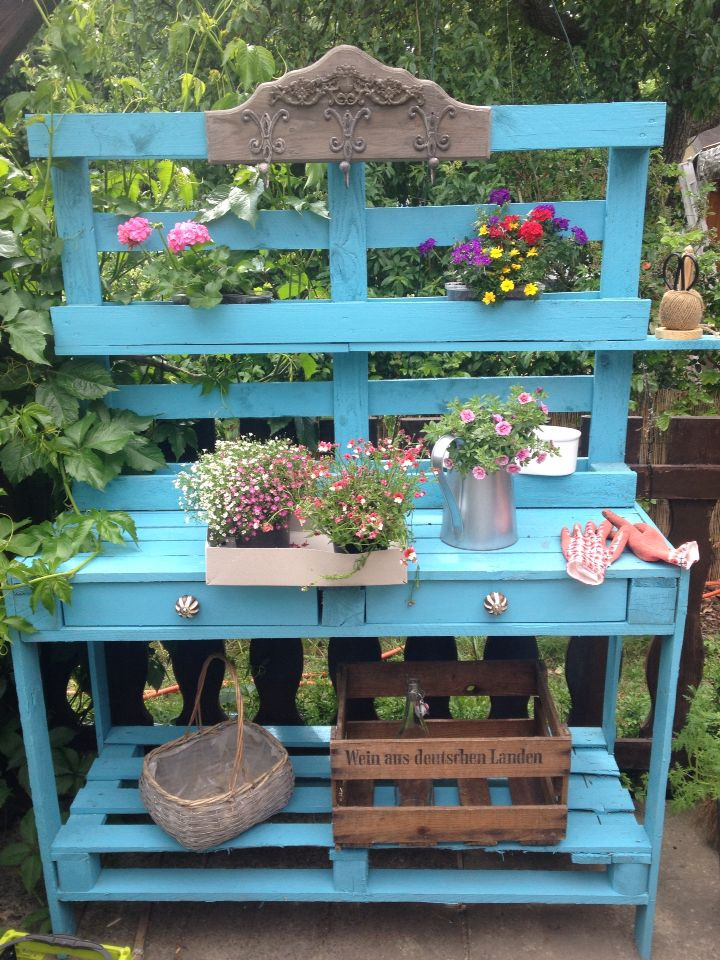 Pflanztisch Diy  DIY Pflanztisch aus Paletten