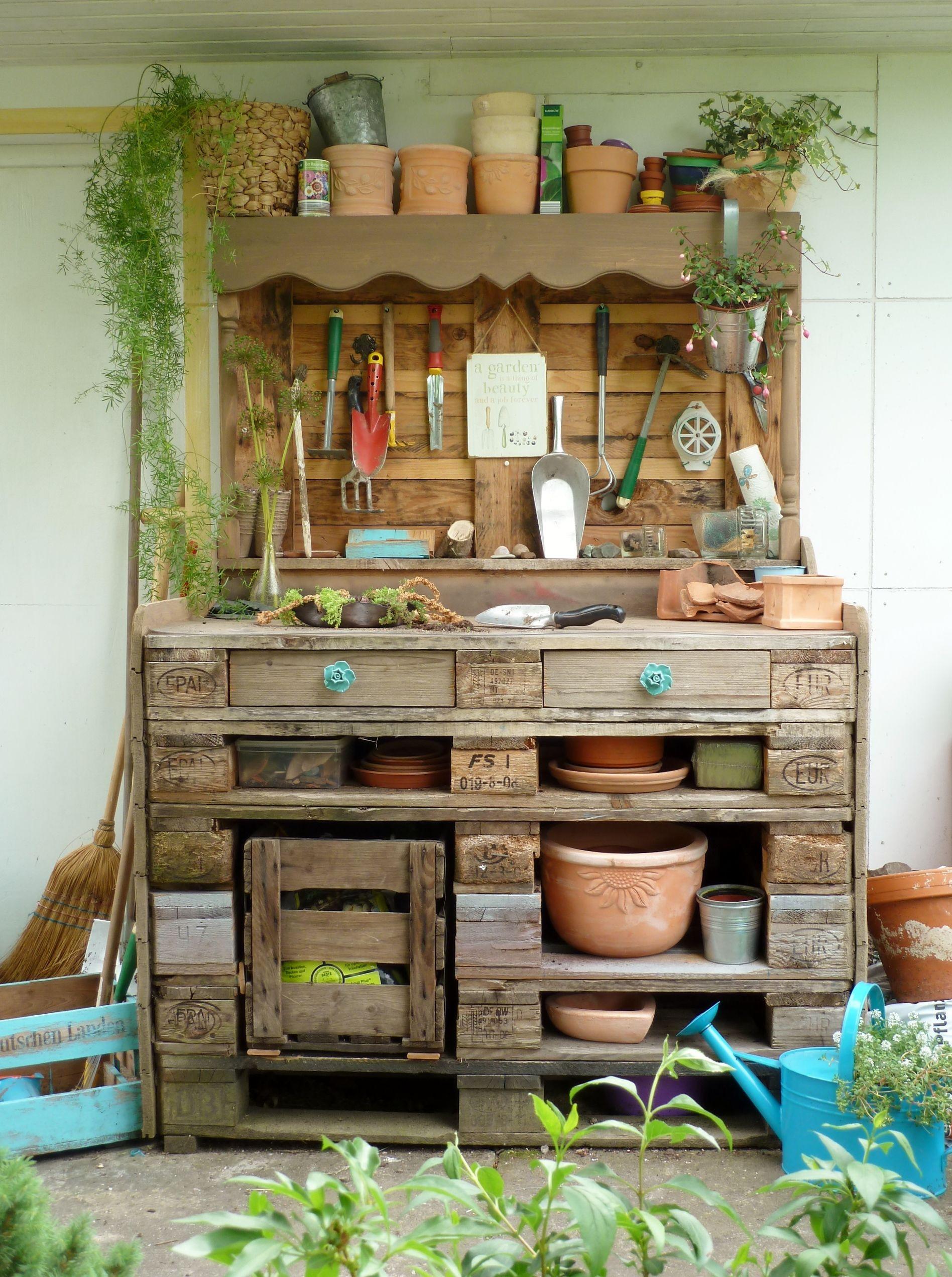 Pflanztisch Diy  Pflanztisch aus Paletten DIY Garten