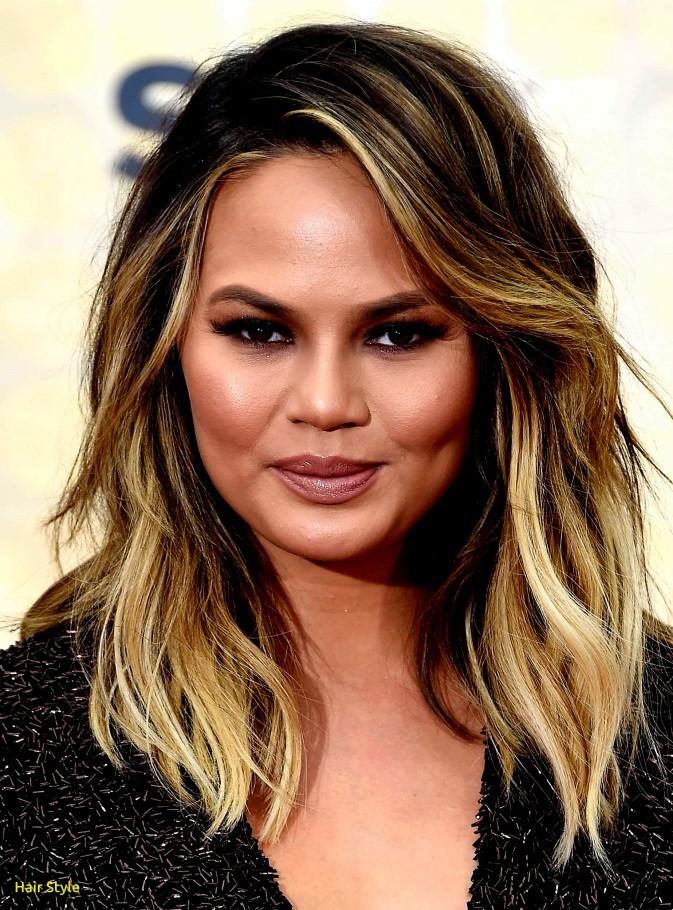 Rundes Gesicht Haarschnitt  Beste Frisuren 2019 Rundes Gesicht Kurzhaarfrisuren Lange