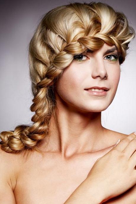 Schöne Einfache Frisuren  Schöne einfache frisuren für mittellange haare