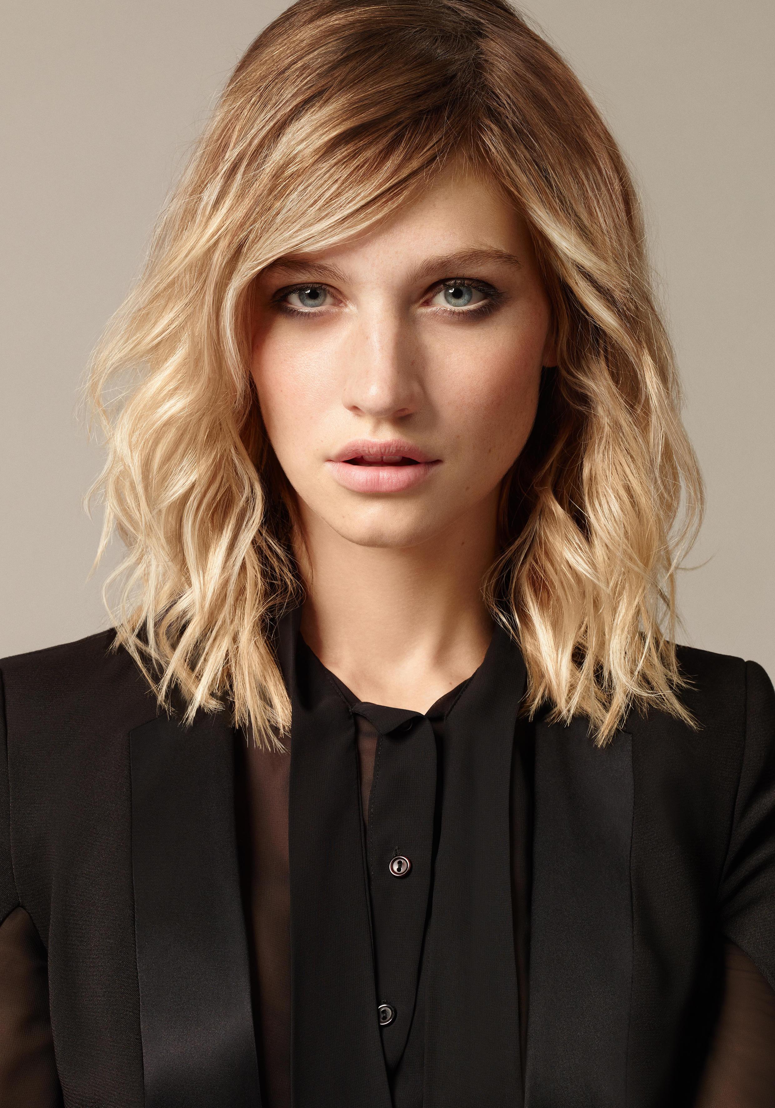 Schulterlange Frisuren Damen  Frisuren für Locken schönsten Looks