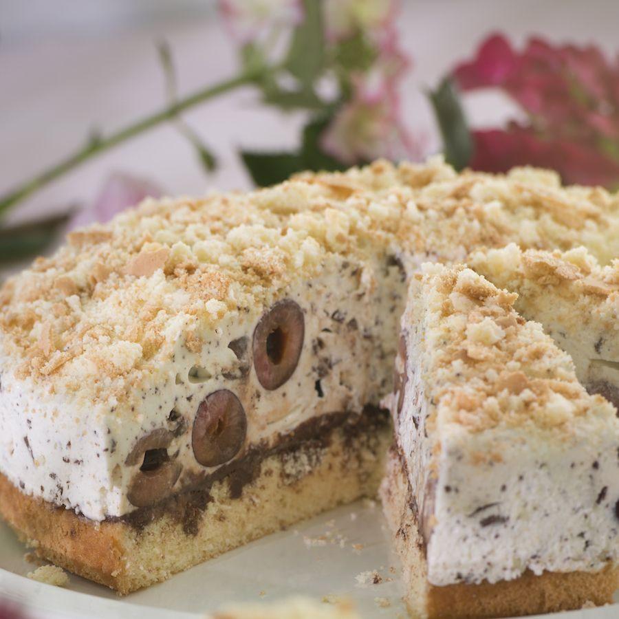 Süßkirschen Kuchen  Stracciatella Torte mit Süßkirschen Rezept