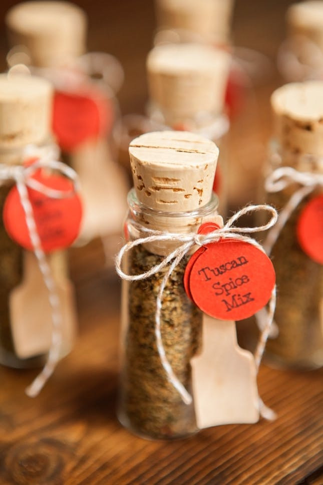 Theme Diy  12 Bud Wedding Favor Ideas That Cost Under $2