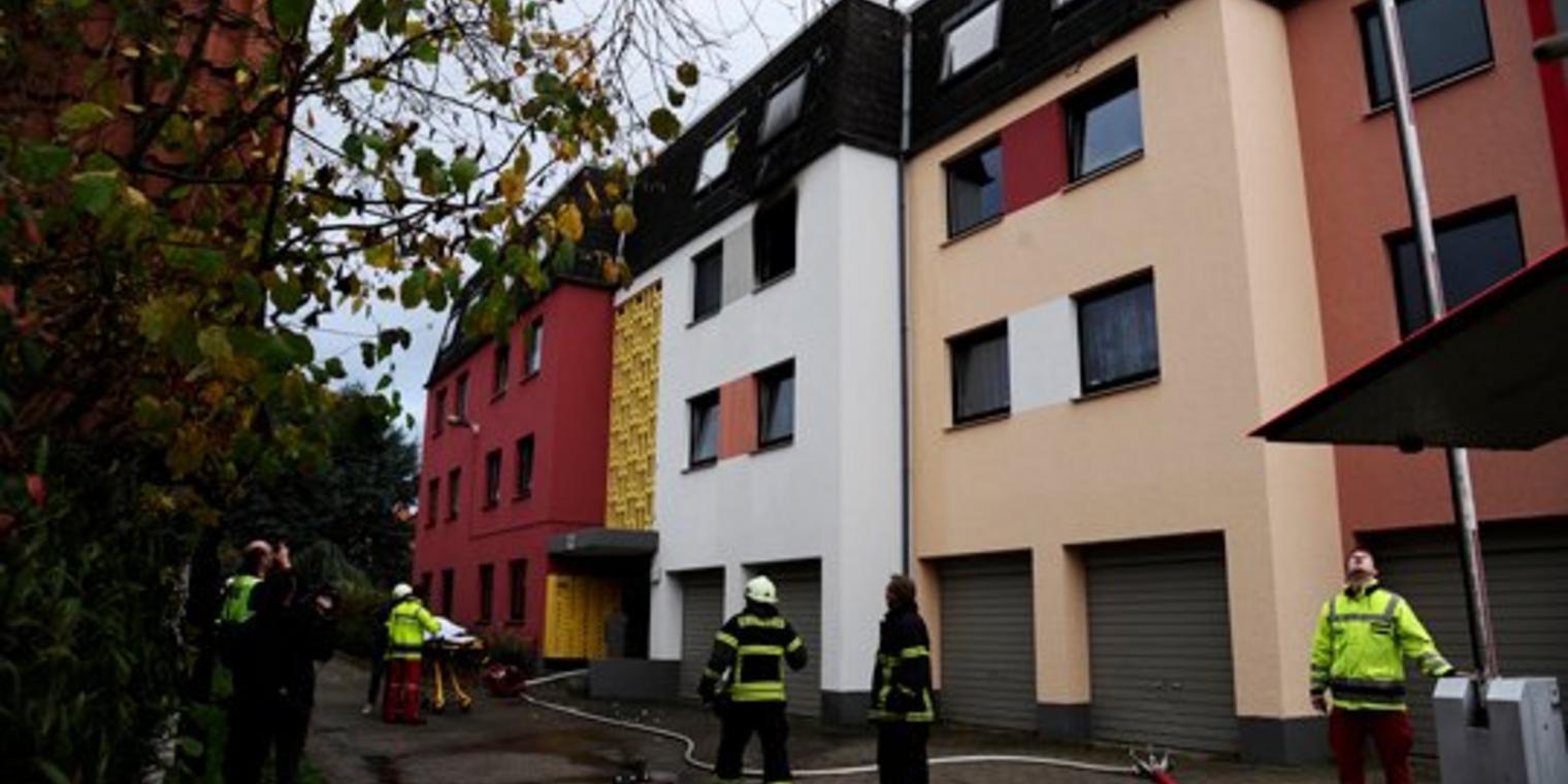 Wohnung Göttingen  Feuer in Weende Mann verschanzt sich in brennender