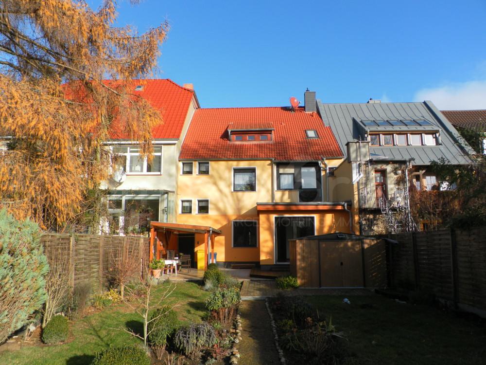 3 Raum Wohnung Magdeburg  Komplett sanierte 3 Raum Wohnung mit Terrasse und Garten