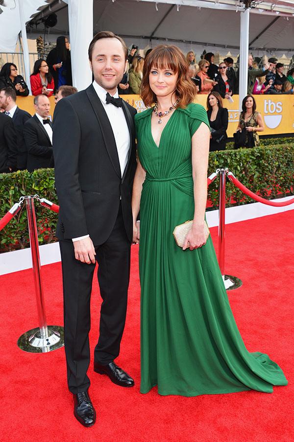 Alexis Bledel Hochzeitskleid  Alexis Bledel Pregnant Are Vincent Kartheiser & Wife