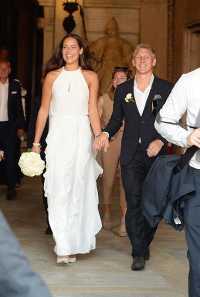 Ana Ivanovic Hochzeit  Wir wissen woher ihr das Traum Hochzeitskleid von Ana