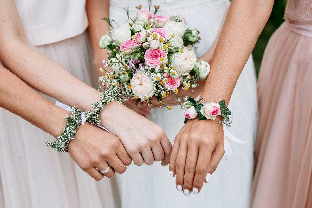 Armband Hochzeit  Originelle Landhaushochzeit mit VW Bulli