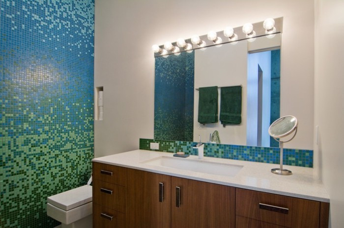 Badezimmer Farbe  Bad neu gestalten Farbe ins Badezimmer bringen