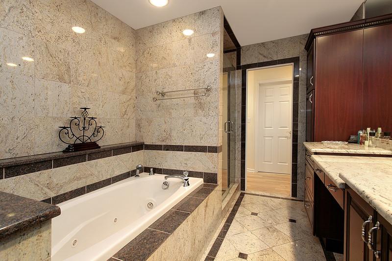 Badezimmer Fliesen Reinigen  Badezimmer Fliesen reinigen Auf Fliesenart achten
