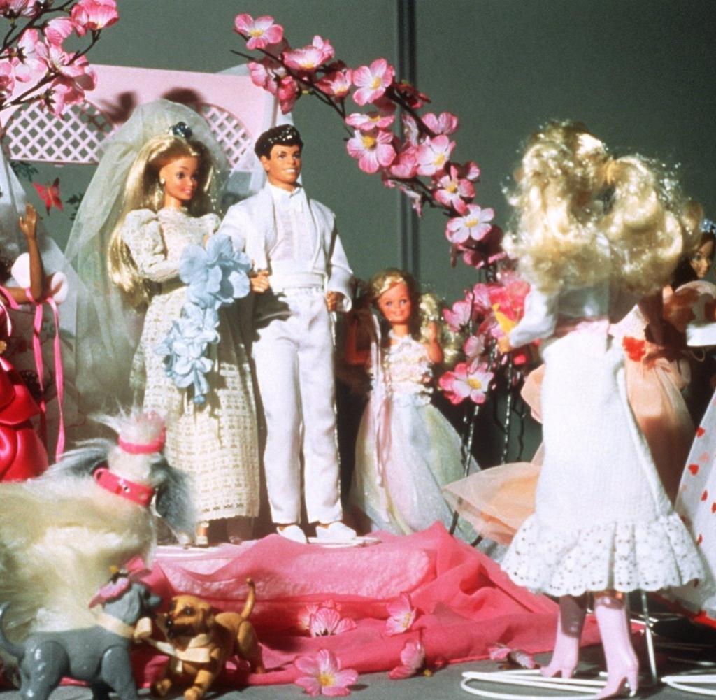Barbie Hochzeit  Puppenkult Ken wird 50 und kehrt endlich zu Barbie zurück