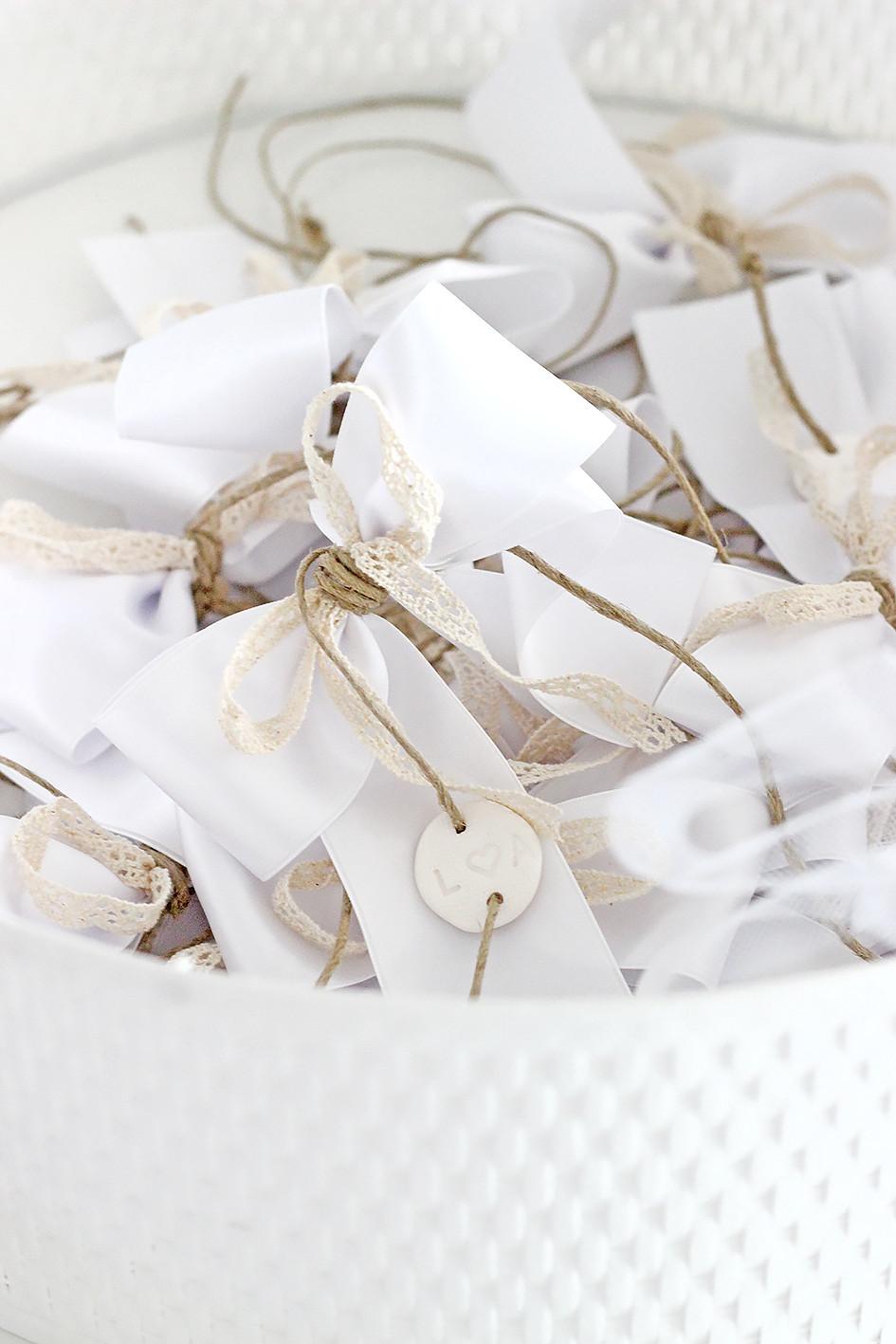 Basteln Für Hochzeit  Wunderschöne DIY Autoschleifen für Hochzeit Anleitung