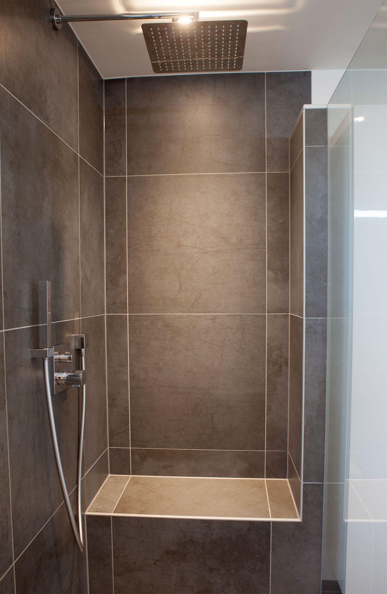 Begehbare Dusche  Begehbare Dusche mit Sitzbank New house ideas
