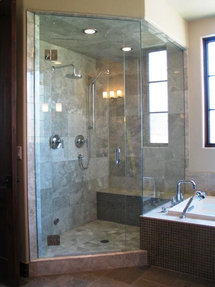 Begehbare Dusche  Begehbare Dusche als Erweiterung des kleinen Bades