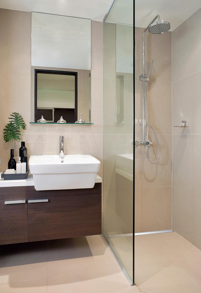 Begehbare Dusche  Begehbare Dusche Badewanne & Dusche