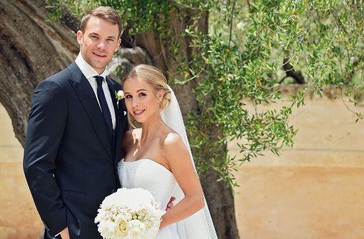 Bilder Hochzeit  Hochzeit in Italien Manuel Neuer auf Krücken vor dem