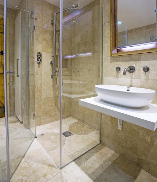 Bodengleiche Dusche  Bodengleiche Dusche abdichten Anleitung in 3 Schritten