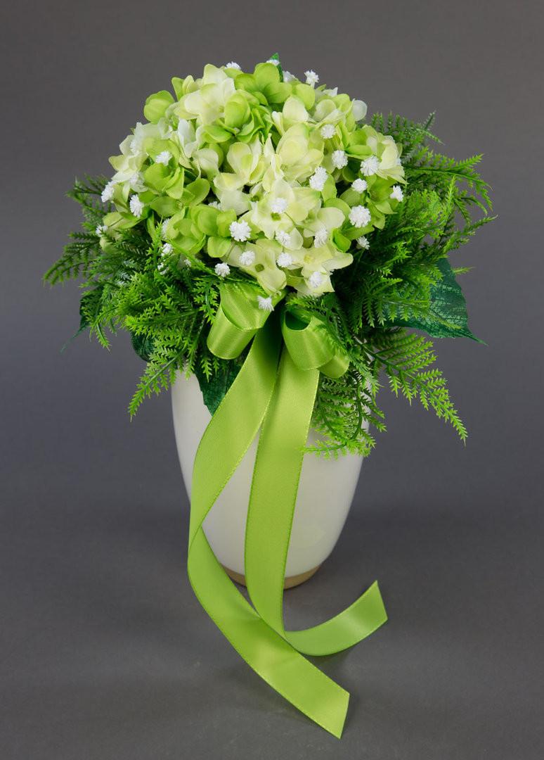 Brautstrauß Hortensien  Brautstrauß mit Hortensien und Schleierkraut creme grün