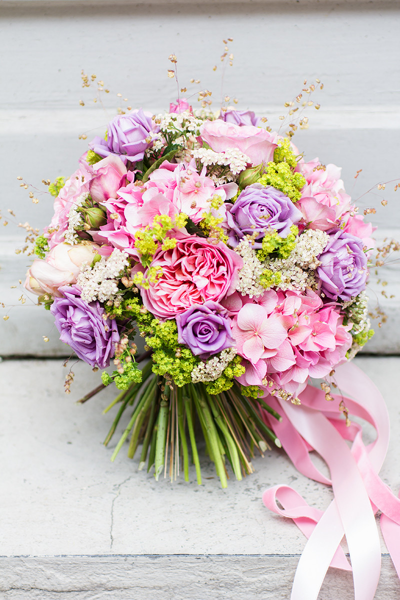 Brautstrauß Juni  Brautstrauss des Monats Juni