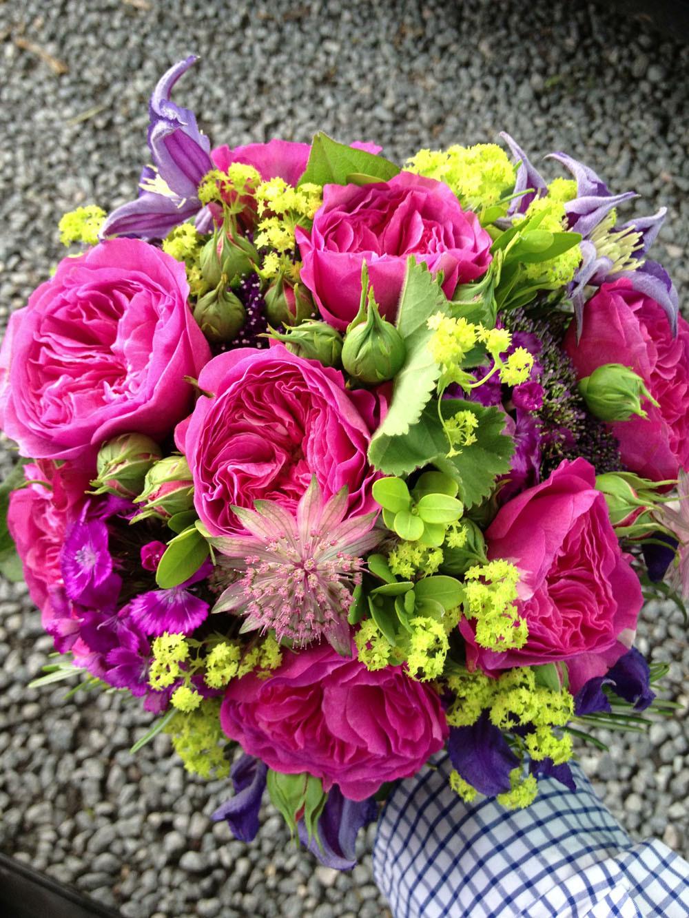 Brautstrauß Juni  der Juni in Blumen
