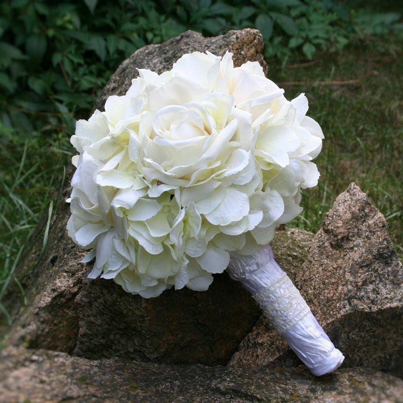 Brautstrauß Mit Hortensien  Brautstrauß Seidenblumen creme Rosen und Hortensien