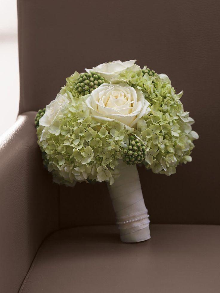 Brautstrauß Mit Hortensien  Die 25 besten Ideen zu Brautstrauß weiße rosen auf