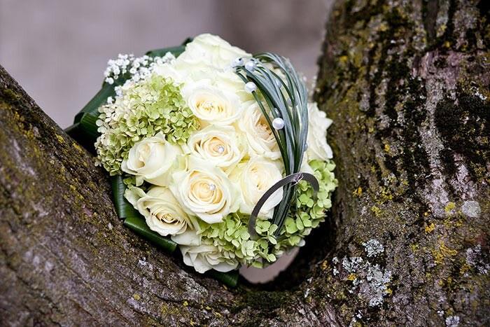 Brautstrauß Mit Hortensien  Brautstrauß Rosen Hortensien Bildergalerie Hochzeitsportal24