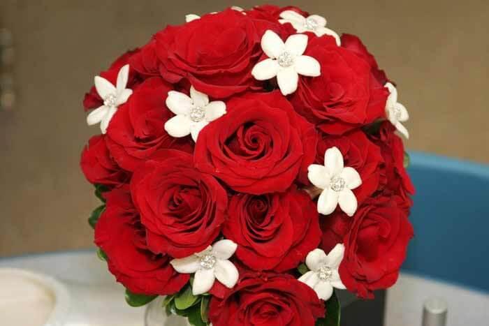 Brautstrauß Rot  Brautstrauß rot weiß Hochzeitsportal24