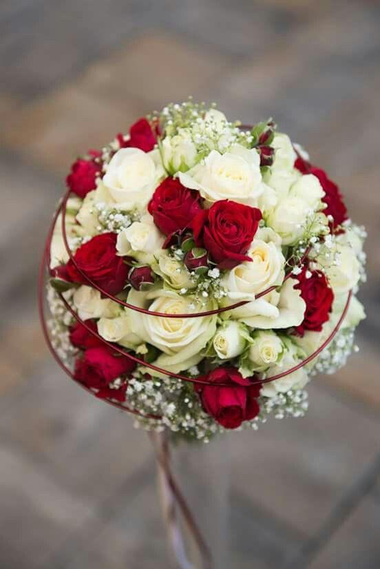 Brautstrauß Rot  Die besten 25 Hochzeitsblumen rot weiss Ideen auf