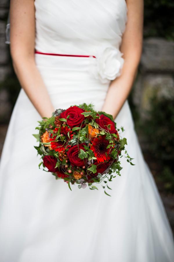 Brautstrauß Rote Rosen  Brautstrauss rote rosen – Rosenwalzer Floristik