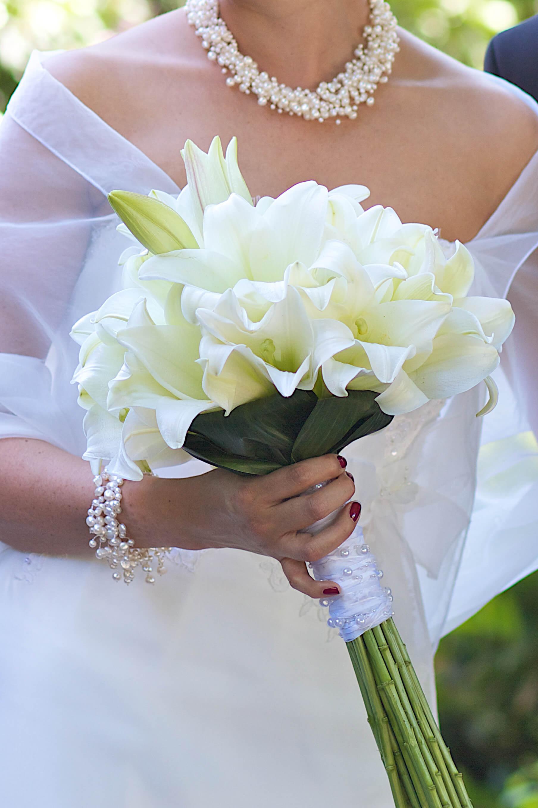 Brautstrauß Weiß  Brautstrauß Lilien weiß Bildergalerie Hochzeitsportal24