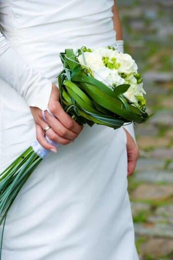 Brautstrauß Weiß  Brautstrauß grün weiß Bildergalerie Hochzeitsportal24