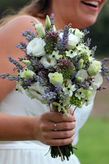 Brautstrauß Weiß  Brautstrauß Weiß Blau