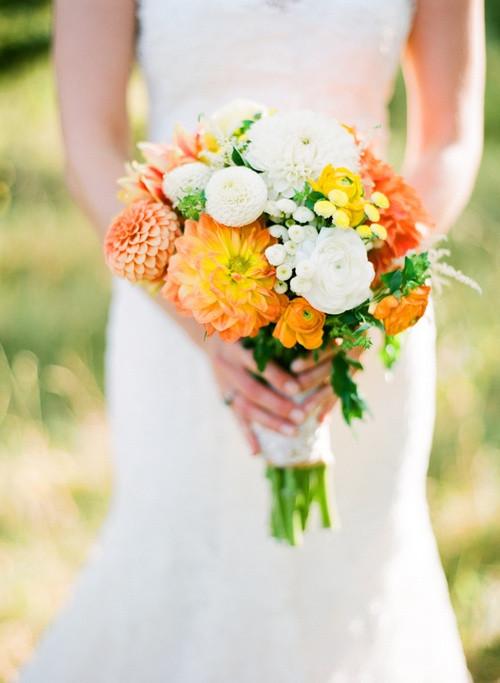 Brautstrauß Weiß  Brautstrauss Dalien Herbst Weiss Orange