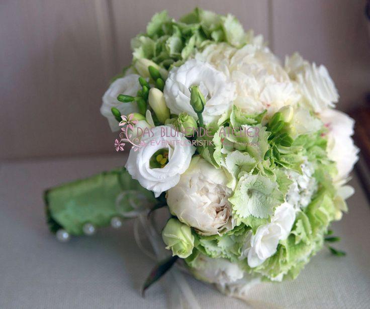 Brautstrauß Weiß  Brautstrauss in Weiß