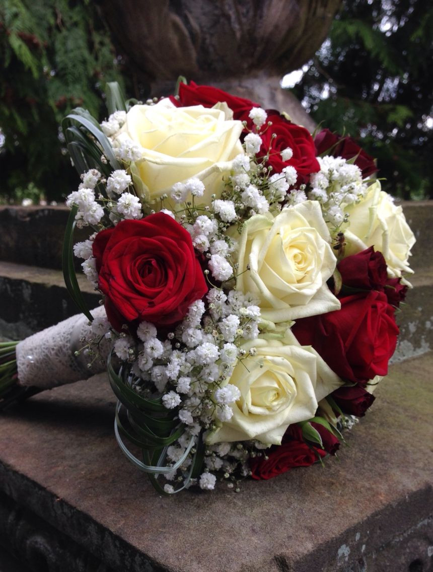 Brautstrauß Weiß  Brautstrauss Rot & Weiß